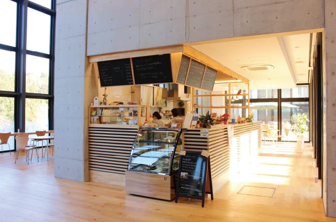 Cafe kiitos カフェ キートス 新富町総合交流センター『きらり』内 写真2